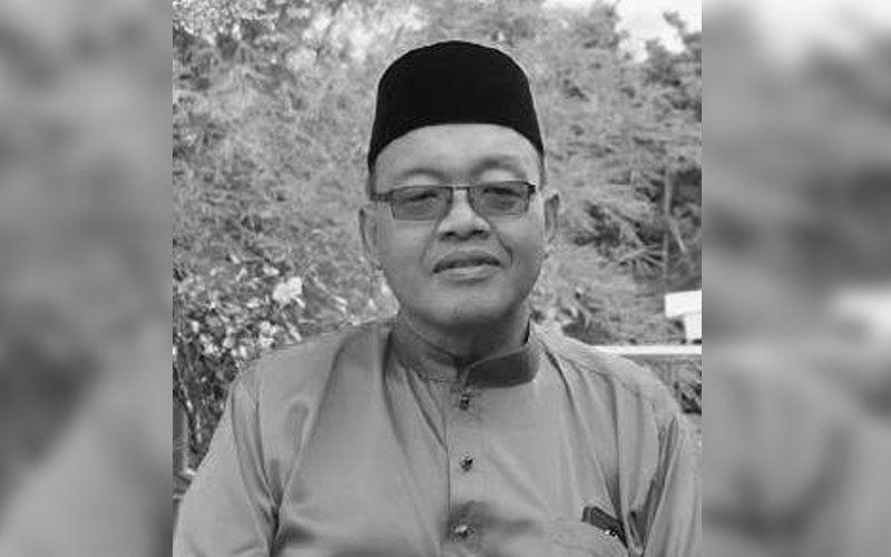 Black and white portrait of Abdul Hakim Mazhar Harussani