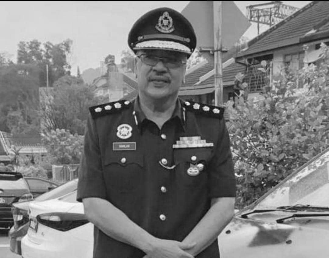 Ramlan Abdul Razak in police uniform